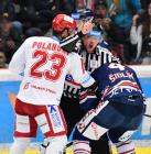 Čtvrtfinále play off hokejové extraligy - 1. zápas: HC Oceláři Třinec - HC Vítkovice Ridera, 20. března 2019 v Třinci. Na snímku (zleva) Jiří Polanský, Petr Šidlík.