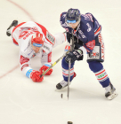 Čtvrtfinále play off hokejové extraligy - 1. zápas: HC Oceláři Třinec - HC Vítkovice Ridera, 20. března 2019 v Třinci. Na snímku (zleva) Guntis Galvins, Radoslav Tybor.