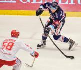 Čtvrtfinále play off hokejové extraligy - 1. zápas: HC Oceláři Třinec - HC Vítkovice Ridera, 20. března 2019 v Třinci. Na snímku (zleva) Guntis Galvins, Peter Trška.