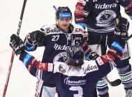 Rastislav Dej a Daniel Krenželok - 20. kolo Tipsport Extraligy HC Oceláři Třinec - HC VÍTKOVICE RIDERA , 21. listopadu 2019 v Třinci.