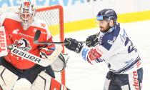 Ondřej Kacetl a Rastislav Dej - 19. kolo Tipsport Extraligy HC VÍTKOVICE RIDERA - HC DYNAMO PARDUBICE, 17. listopadu 2019 v Ostravě.