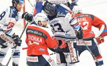 Marek Hovorka a Šimon Stránský - 19. kolo Tipsport Extraligy HC VÍTKOVICE RIDERA - HC DYNAMO PARDUBICE, 17. listopadu 2019 v Ostravě.