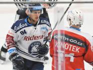 Jan Schleiss a Tomáš Knotek - 19. kolo Tipsport Extraligy HC VÍTKOVICE RIDERA - HC DYNAMO PARDUBICE, 17. listopadu 2019 v Ostravě.