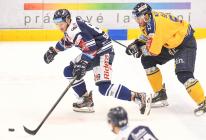 Jan Schleiss a Jakub Šlahař z PSG Berani Zlín - 41. kolo HC VÍTKOVICE RIDERA - PSG Berani Zlín, 28. ledna 2020 v Ostravě.