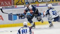 Alexandre Mallet z Vítkovic - 5. předkolo Generali Česká pojišťovna play off HC VÍTKOVICE RIDERA - HC kometa Brno, 16. března 2021 v Ostravě.