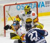 Brankář Litvínova Denis Godla - 27. kolo Tipsport Extraligy HC VÍTKOVICE RIDERA - HC Litvínov, 13. prosince 2020 v Ostravě.