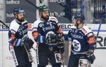 Rostislav Marosz, Roman Polák a Jan Štencel z HC VÍTKOVICE RIDERA15. kolo Tipsport Extraligy HC VÍTKOVICE RIDERA - Mountfield HK, 9. listopadu 2020 v Ostravě.