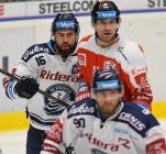 Roman Polák z HC VÍTKOVICE RIDERA a Rostislav Olesz z HC Olomouc - Přípravné utkání  HC VÍTKOVICE RIDERA - HC Olomouc, 10. září 2020, Ostravar aréna.