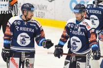 Dominik Lakatoš a Jan Hruška z Vítkovic - 35. kolo Tipsport Extraligy HC VÍTKOVICE RIDERA - HC ŠKODA PLZEŇ, 15. ledna 2021 v Ostravě.