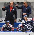 Asistent trenéra Ladislav Svozil a trenér Vítkovic Mojmír Trličík - GENERALI ČESKÁ CUP - SKUPINA D, HC Vítkovice Ridera - PSG Berani Zlín, 18. srpna v Ostravě.