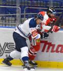 Lukáš Kovář z Vítkovic a Jan Knotek z HC Olomouc - HC VÍTKOVICE RIDERA - HC Olomouc, Letní hokejové hry 2021, 24. srpna 2021 v Ostravě.