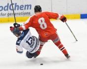 Vladimír Svačina z Vítkovic a Šimon Groch z HC Olomouc - HC VÍTKOVICE RIDERA - HC Olomouc, Letní hokejové hry 2021, 24. srpna 2021 v Ostravě.